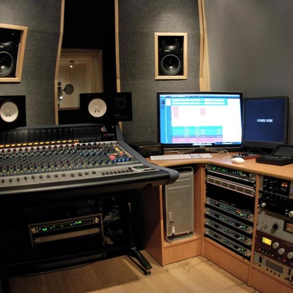 Деньги на музыке или студия звукозаписи - studia