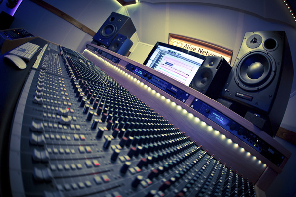 Студия звукозаписи. Бизнес даже для тех у кого нет музыкальн - studiya_svukosapisi