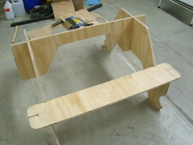 Выносная мебель для торговли - свое дело с нуля - стол