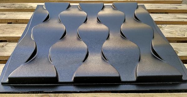Черный АБС пластик имеет не самый лучший глянец, и к тому же это очень хрупкий материал, ломается на изгибах.